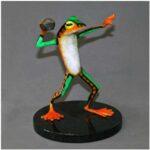 frog_football_player_figurine_1
