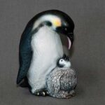 penguin_figurine_with_baby_1